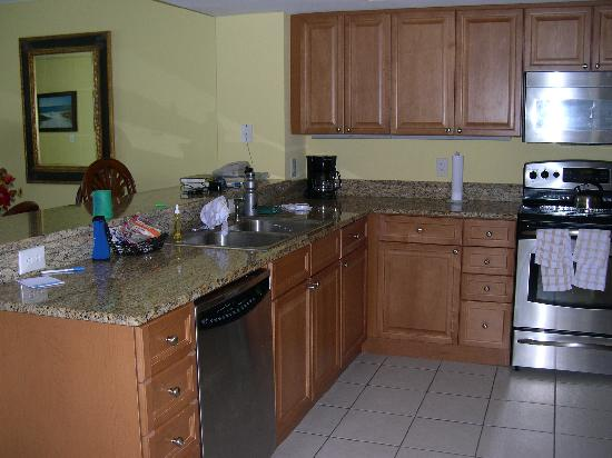 kitchen - Picture of Wyndham Vacation Resorts Panama City Beach ... d9b7751a0a1