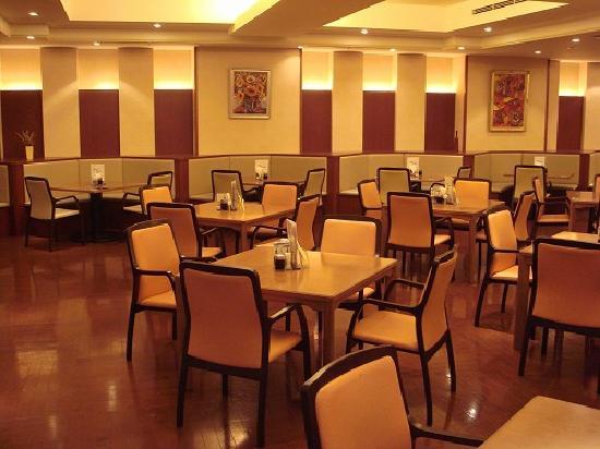 Asaya: Dinner room