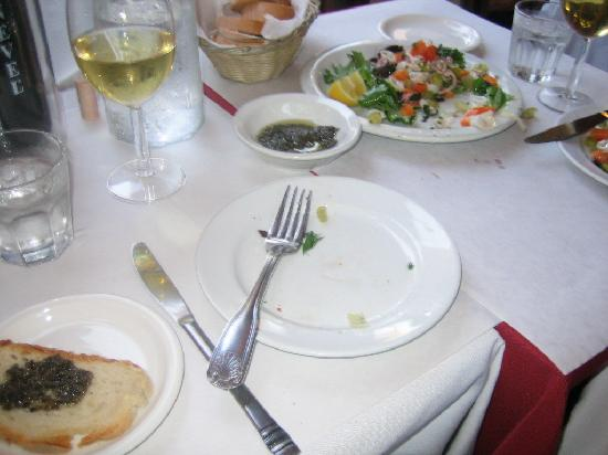 Caffe Macaroni Sciue Sciue : Calamari salad antipasto, bread, and wine