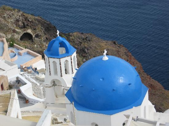 Porto Fira Suites: Views from Fira