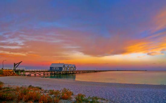 Abbey Beach Resort: Busselton Jetty