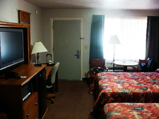 BEST WESTERN Travel Inn: 2 queens room