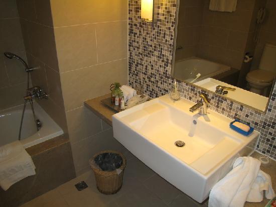 Parkview Hotel: Bathroom