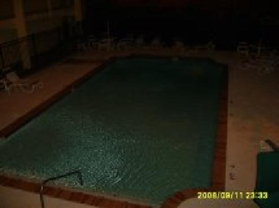 Baymont Inn & Suites Marietta/Atlanta North: this is the pool