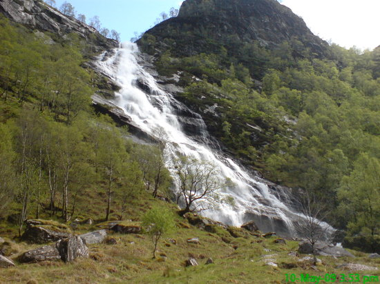 ‪Steall Waterfall‬