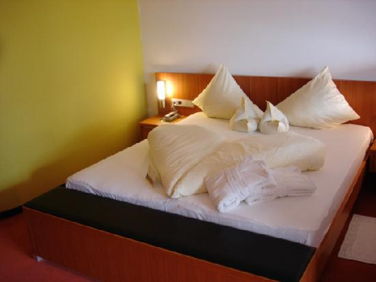 Style & Spa Resort Lindenhof : Bed