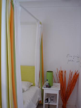 Perantzada 1811 Art Hotel: room