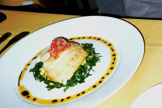 LaSalette Restaurant: Beautiful sea bass