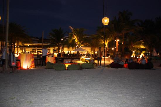 Discovery Shores Boracay: DS at night