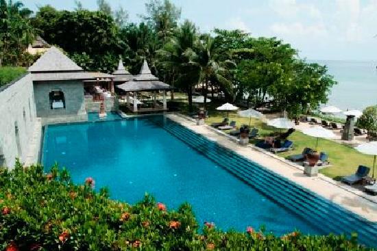 นาคามันดา รีสอร์ท แอนด์ สปา: nakamanda resort other view of the swimming pool