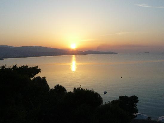 Isthmia, Griekenland: levé de soleil