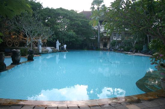 Hotel Kumala Pantai: Main pool and Y Block