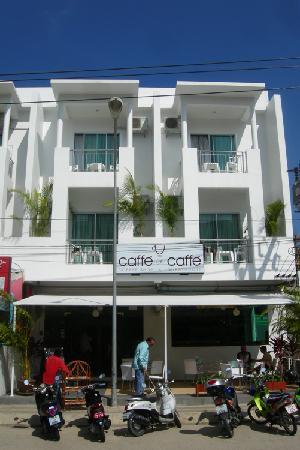 Caffe '@Caffe': caffe at caffe coffe shop guest house kata beach