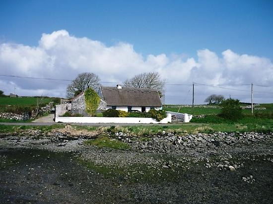 Cave Cottage: the cottage from a distance