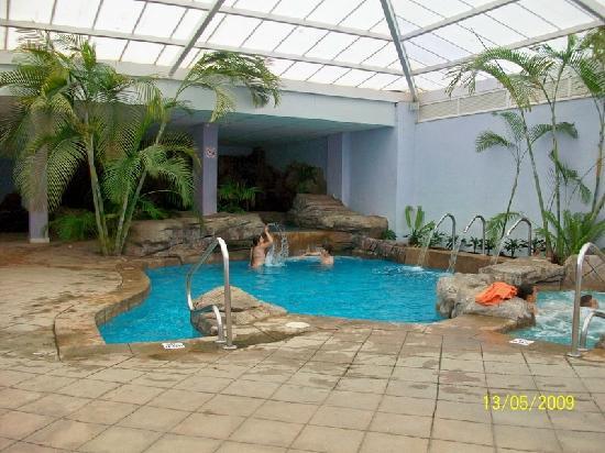 Playabonita Hotel : Piscina climatizada