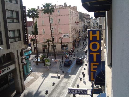 Corona Hotel: central street