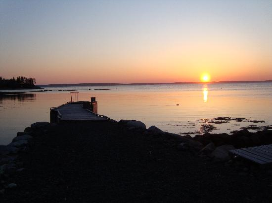 The Flying Dutchman Bed & Breakfast: Sunset view from the Flying Dutchman B&B