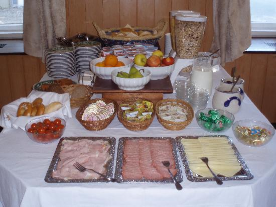 Hotel breakfast buffet ideas images for Ensemble table buffet