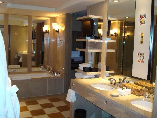 Park Hyatt Tokyo: Bathroom - Park Suite