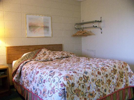 Grand Inn Fargo : The bedroom