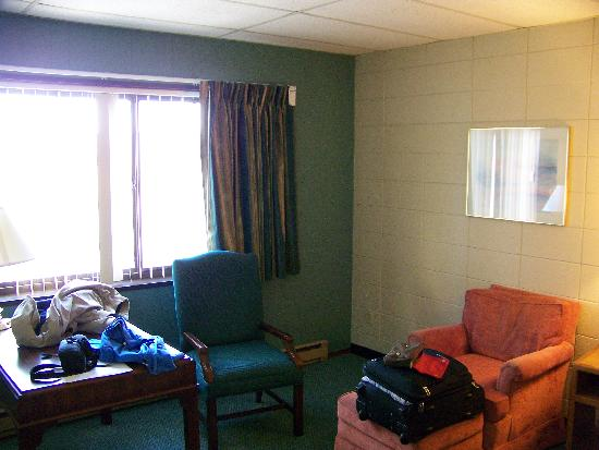 Grand Inn Fargo: The room itself