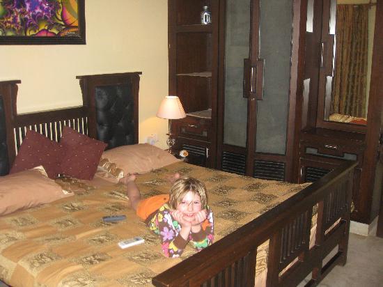 D'Habitat Hotel Apartments: Bedroom #2