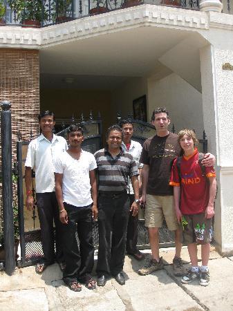 D'Habitat Hotel Apartments: The friendly staff at the D'habitat