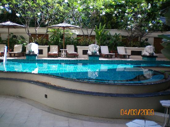 Gardengrove Suites Boutique Serviced Residence: pool