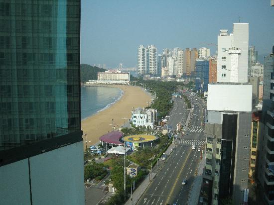 โรงแรมโนโวเทล แอมบาสซาเดอร์ ปูซาน: the view from my window