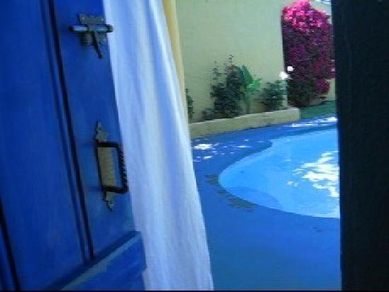 Albero Lodge: Salida a la piscina desde la suite