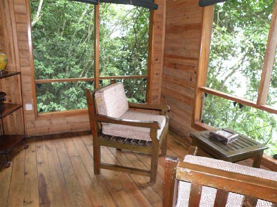 Jacana Safari Lodge: private veranda in chalet