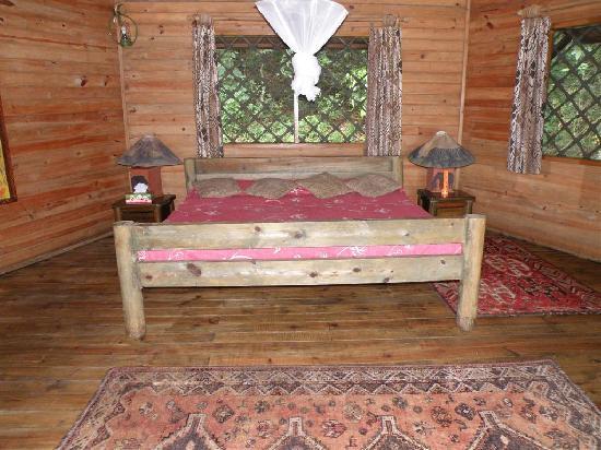 Jacana Safari Lodge: spacious chalet