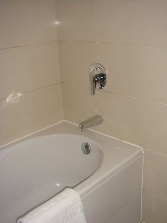 Xin Da Di Hotel: Bath / Shower