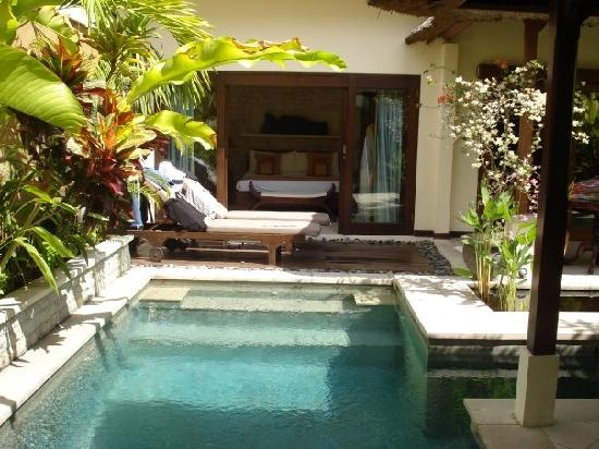 Sekar Taman I Villas: pool & bedroom