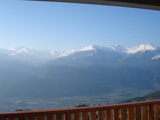 Crans-Montana, Suisse : Vista desde el balcon