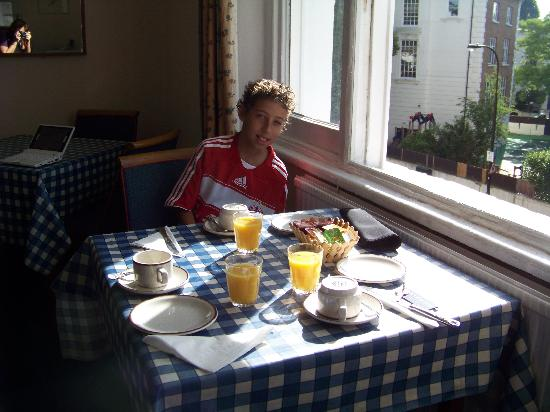 Avoca House Hotel: breakfast