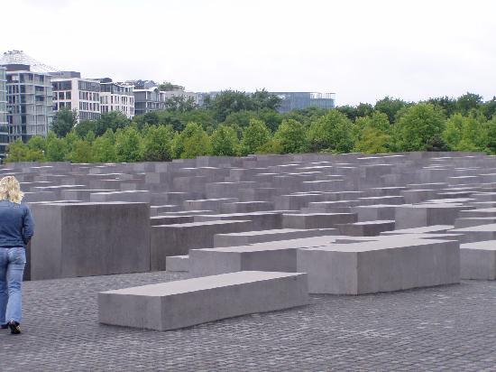 Sofitel Berlin Kurfürstendamm: Jewish Memorial Park