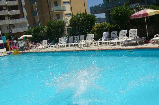 piscina hotel de paris