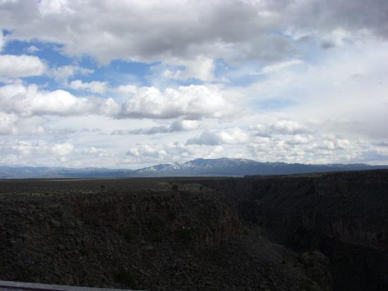 Rio Grande Gorge Bridge: Taos landscape