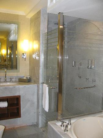 Iberostar Grand Rose Hall: Bathroom