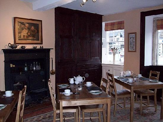 Dowgill House: dining room