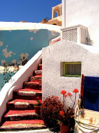 Old Oia Houses: The room next to ours