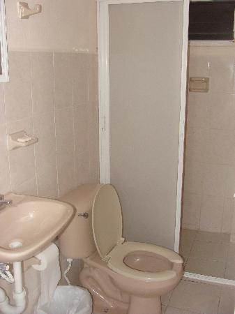 Carmelina Hotel: bathroom