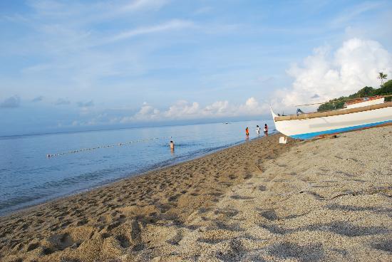 Balai Resort Anilao: laiya shoreline