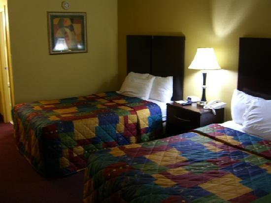 Days Inn Lexington Southeast: Bed 1