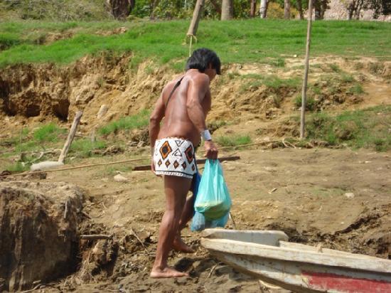 Embera Tours Panama: transporte de viveres