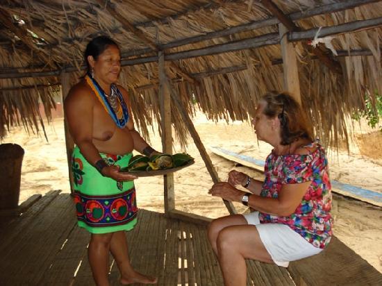 Embera Tours Panama: llego la comida