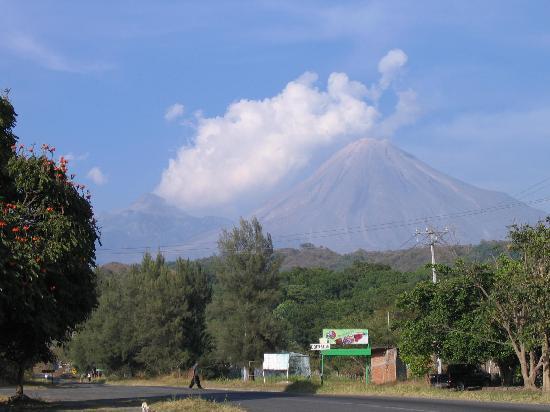 Hotel America: Colima volcano