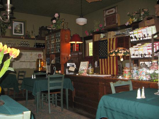 lobby general store and dining area foto di the inn at