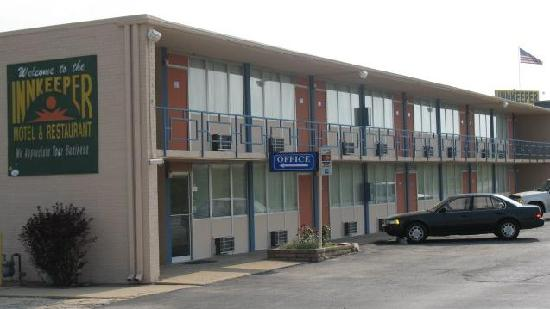 Innkeeper Motel : NICE LOCATION
